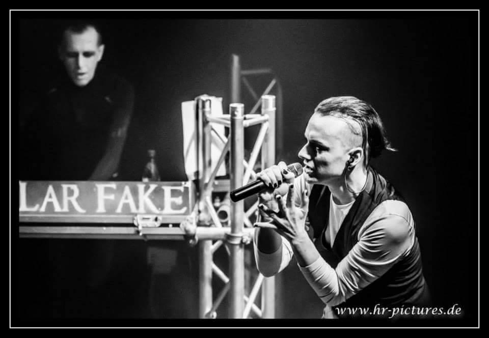 Solar Fake Live 2014